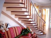 Изогнутая монолитная лестница найдети дешевли сделаем бесплатно