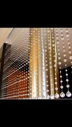 Декоративные шторы из хрустальных бусин.
